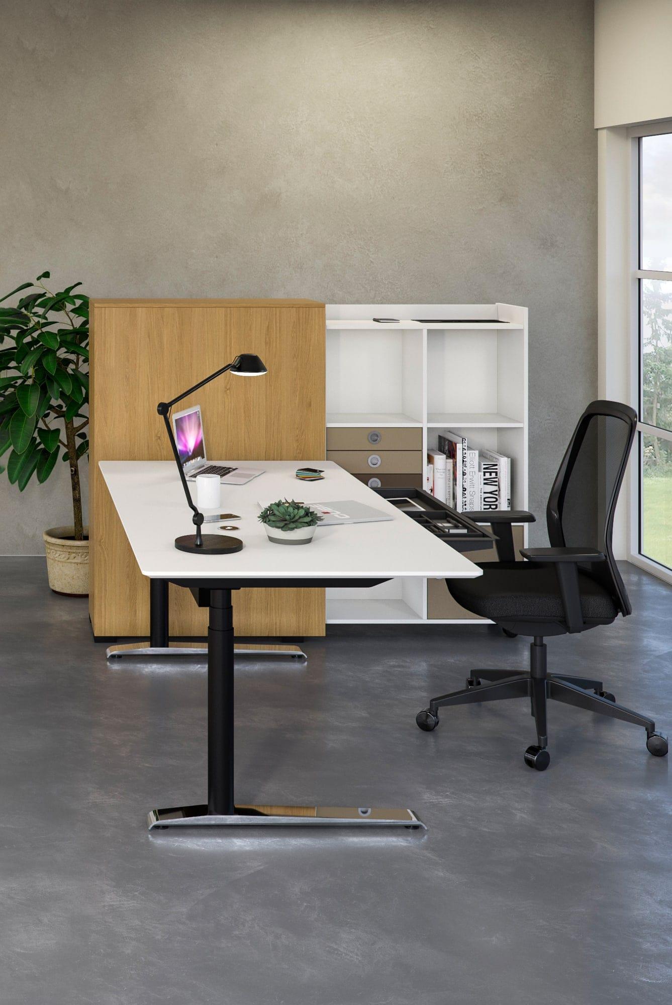 Cube Design | kontormøbler | Quadro skrivebord | Udtræksskab