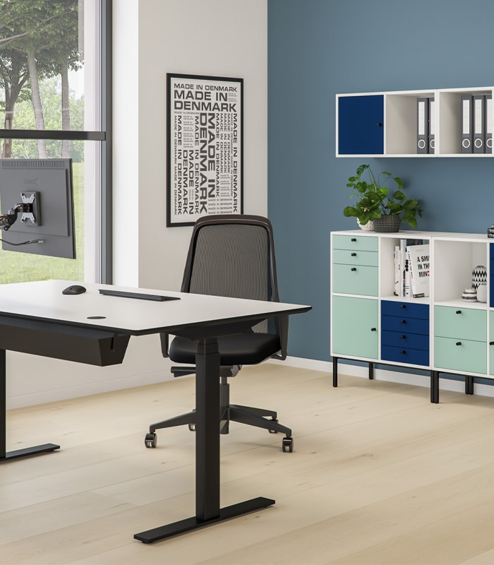 Cube Design - kontormøbler - RAW skrivebord - Linak søjler - rektangulær