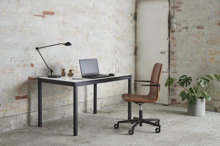 Kant bord som stationær arbejdsbord