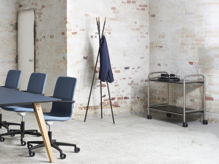 Cube Design – kontormøbler – stumtjener