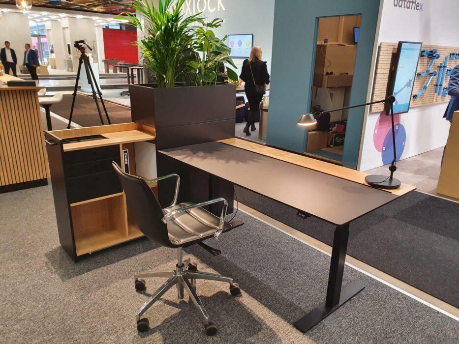 Cube Design - kontormøbler - SFF2020 - Stockholm Furniture Fair 2020 - RAW split skrivebord