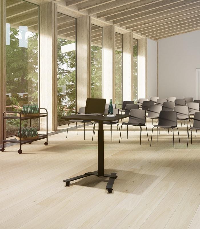 Cube Design - kontormøbler - RAW 1-søjlet skrivebord - stabilt bord - hæve-sænke skrivebord- hjemmearbejdsplads