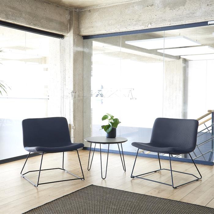 Cube Design - kontormøbler- loungebord - bord med tre ben - sofabord